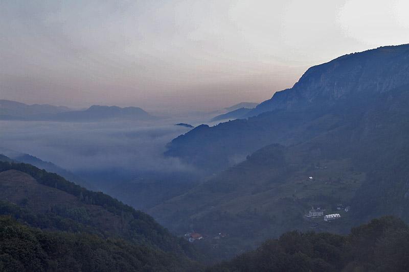 manastirea Sub Piatra - Salciua - rasarit